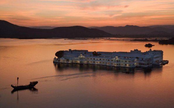 Udaipur-Lake-Palac_2359615