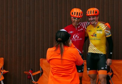 Caro taking a pic of Charles in Red and PA in Yellow #racinglife ©Scott McFarlane