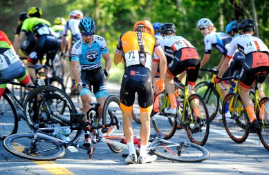 Stage 3b: Chrétien caught in an early crash. He would return to the peloton and finish 9th ©VeloImages