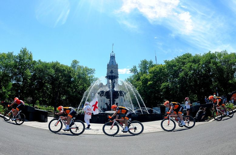 Stg 4: Quebec provides a beautiful backdrop for a bike race and ©VeloImages knows how to capture it