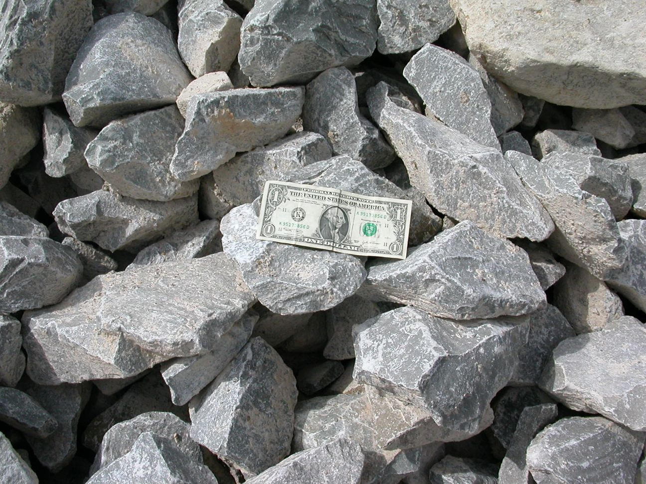 carbonate sedimentary rocks ~carbonate sedimentary rock classification~ in the simple ideal model for the  evolution of sedimentary rocks we said that if weathering,.