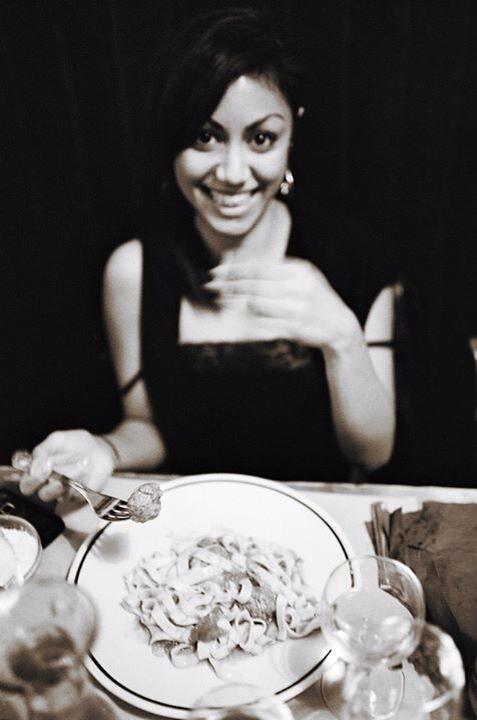 «Per me conta più una foto così, dove si vede la mia passione per il cibo che mille foto di dita nella topa!» (Photo Luca Rubbi)