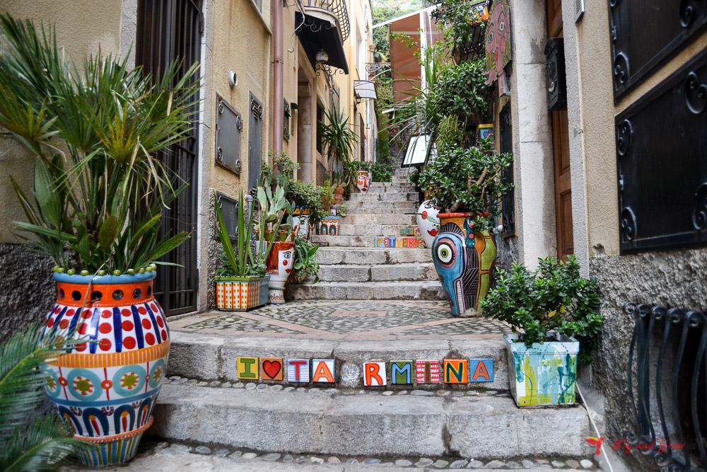 Escaleras decoradas de Taormina