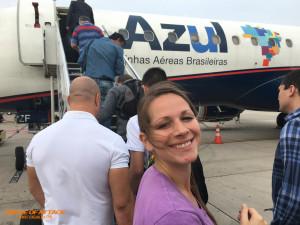 Jumping on an ERJ-195. Made in Brazil!