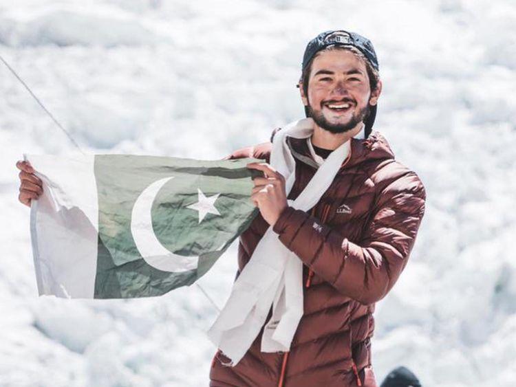 Shehroze Kashif summit Mount Everest