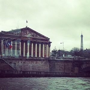 Assemblée nationale vue de la Seine