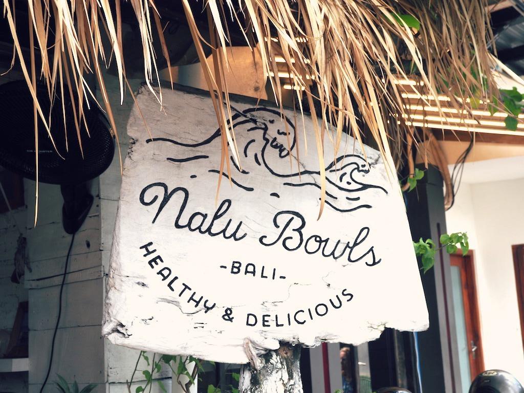Nalu Bowls smoothie bow sign
