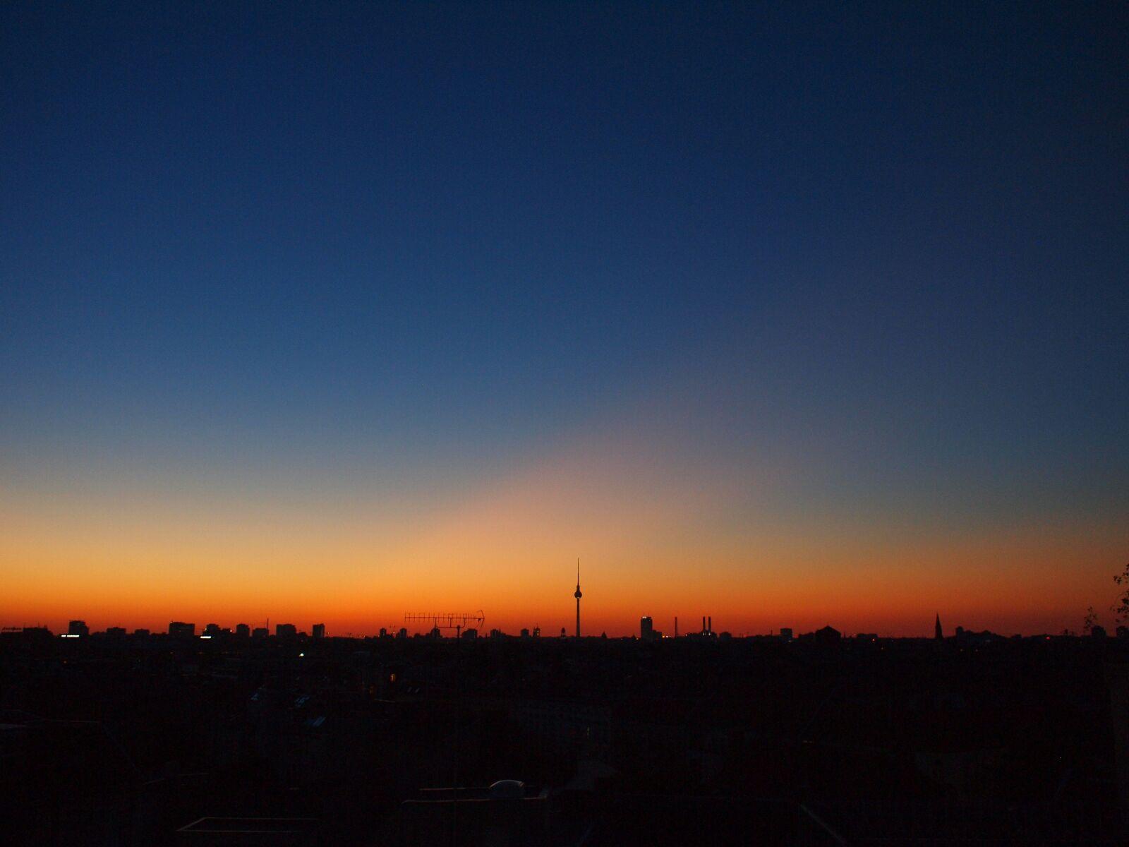Foto's berlijn uitzicht vanaf rooftopbar neukoln