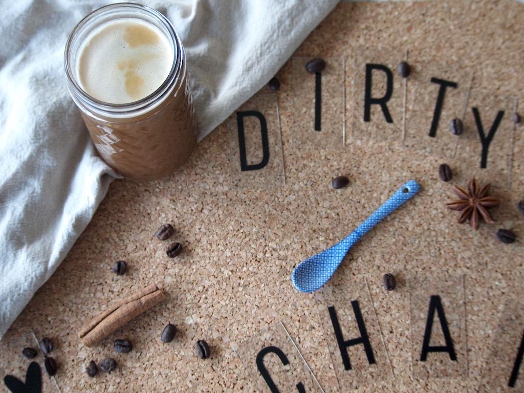 Homemade Dirty Chai Latte met koffie