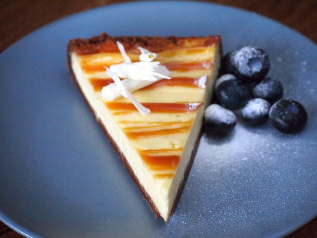 Cheesecake met karamelsaus uit le box