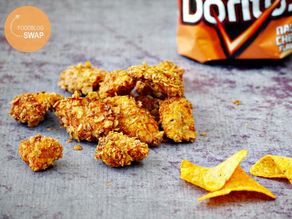 Kipnuggets met een korst van Doritos