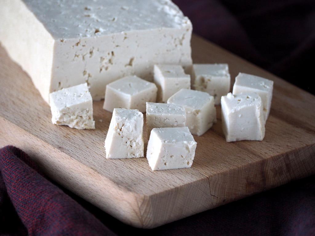 Firm tofu blok en blokjes