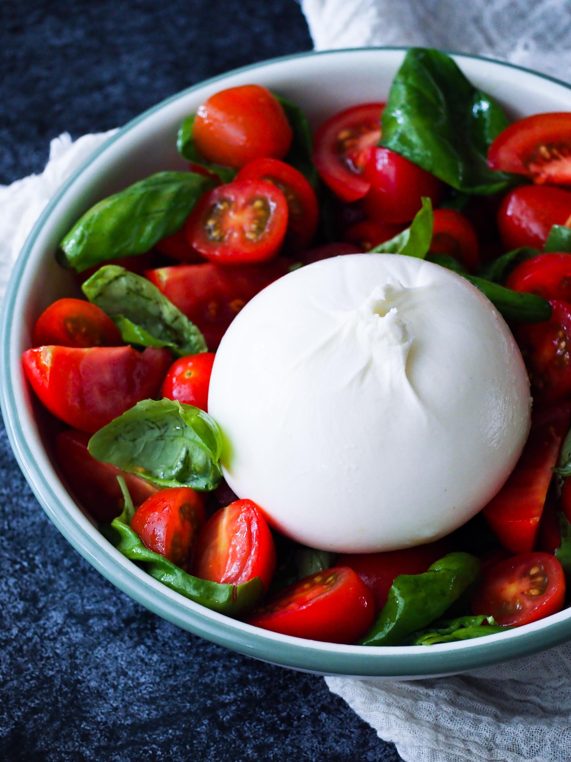 Burrata salade met tomaat