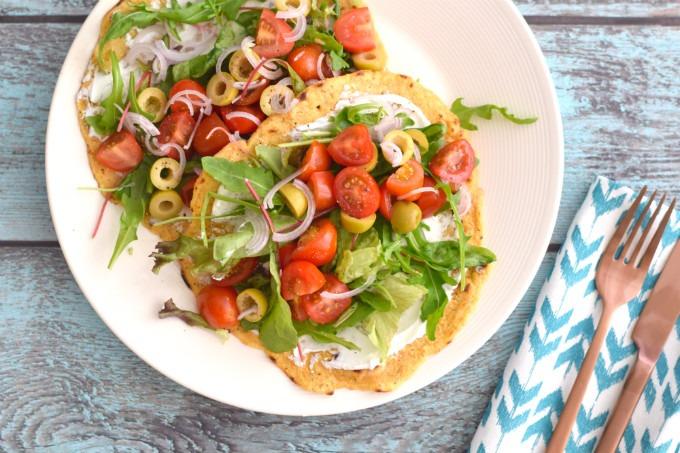 Kikkererwtenwraps met italiaanse salade