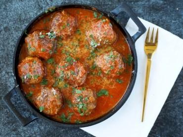 Gehaktballen gevuld met mozzarella
