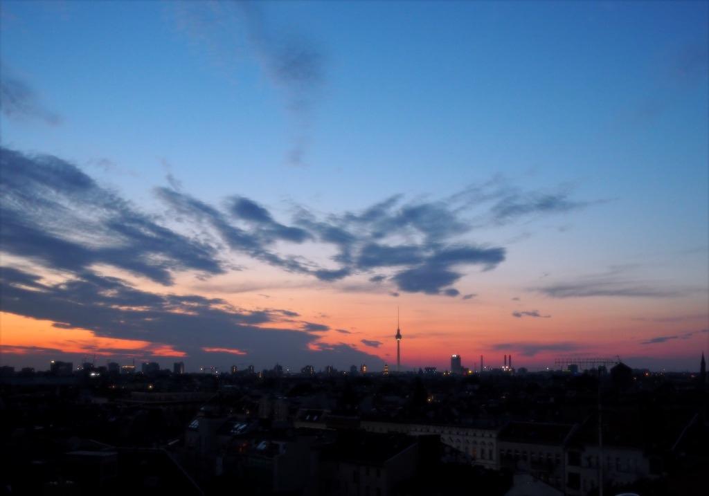 Zonsondergang Berlijn Klunkerkranich