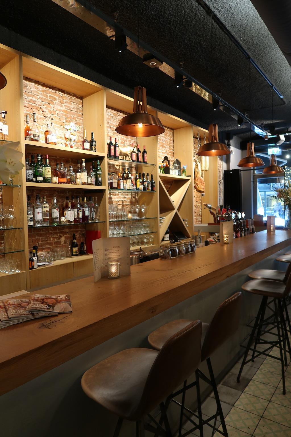Bar uptown meat club amsterdam