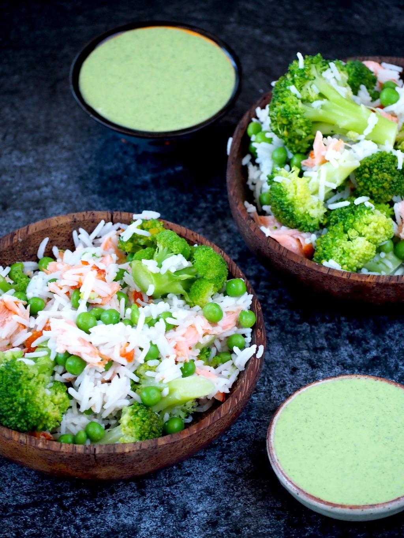 Rijstsalade met zalm en broccoli