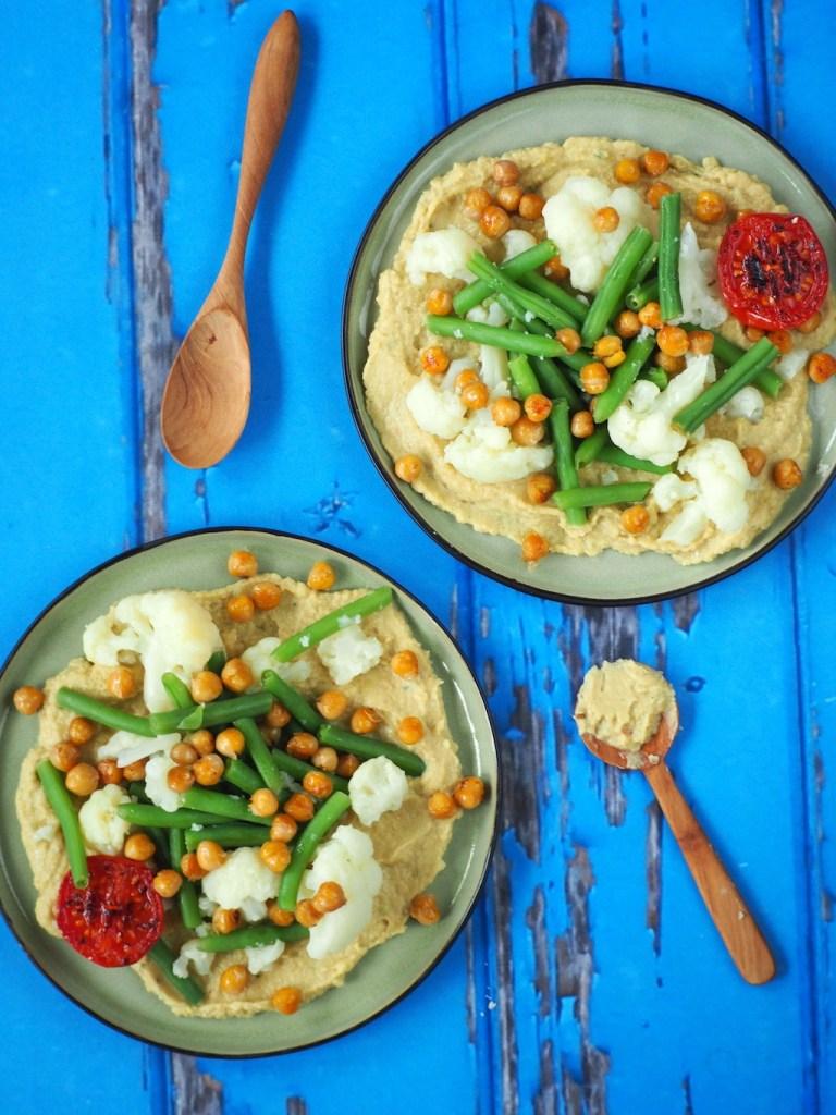 Thaise hummus met groente en kanpperige kikkererwten