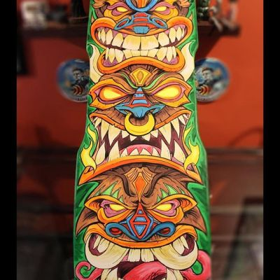 All finished with this tiki skateboard painting I did for a private collector. First time I've done something like this, so there were a lot of stumbles along the way, but I had a great time with it. The collector wanted the whole thing to be a surprise, so he never even saw a sketch. The first time he saw the deck design was when he opened the package on his front door! That really added a lot to the whole experience.#skateboardart #deckart #skaterart #deckdesign #skateboarding#tikiart #tikibar #beachart #tikitotem #surfart #tikiartist #beach