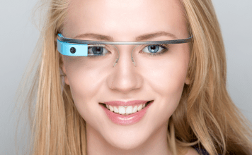 Boeing uses Google Glass