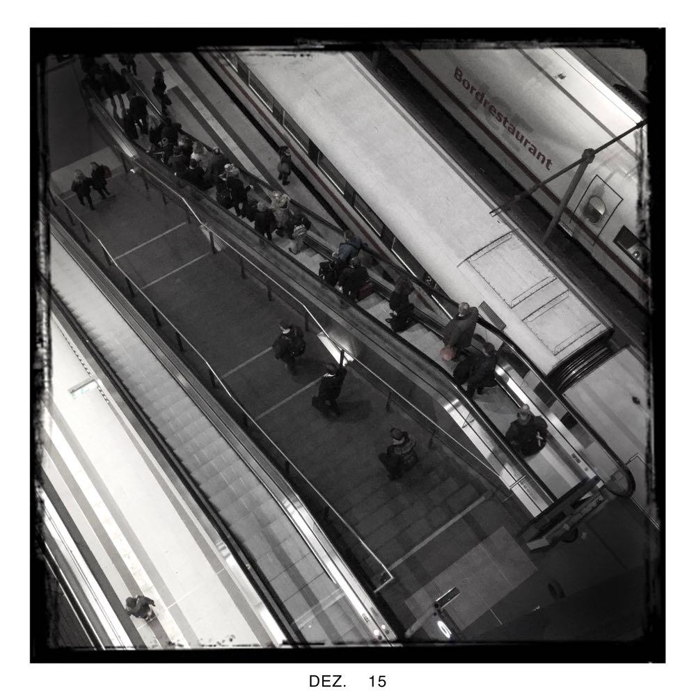 Blick von oben auf den Tiefbahnhof    © Ulf Cronenberg, Würzburg