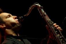 Jazzanova featuring Paul Randolph    Foto: © Ulf Cronenberg, Würzburg