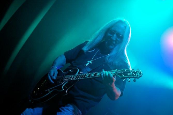Mick Box– das einzige übrig gebliebene Gründungsmitglied von Uriah Heep    Foto: © Ulf Cronenberg, Würzburg