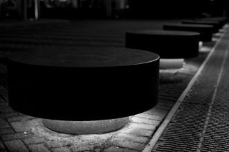 Beleuchtete Steine vor dem Casino in Utrecht   Foto: © Ulf Cronenberg, Würzburg