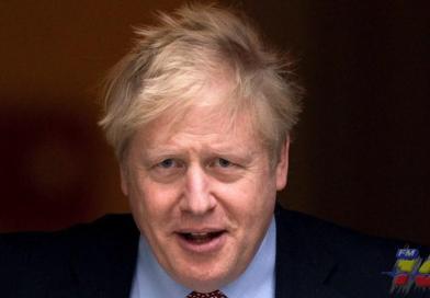 Piden a Boris Johnson tomar medidas adicionales, en Reino Unido, para frenar segunda ola de contagios de COVID-19