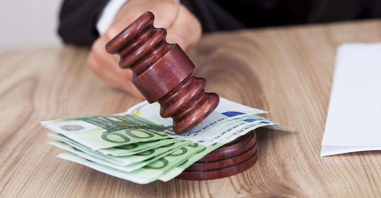 quién paga las costas en un juicio