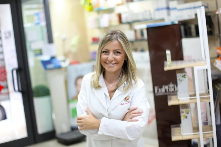 Myriam Mazza farmacista in farmacia Salus
