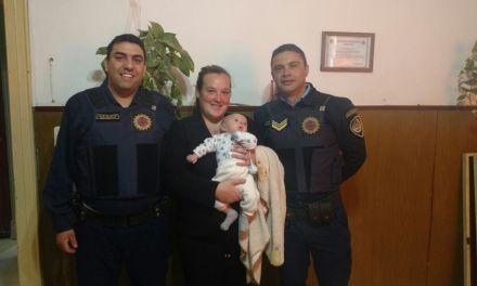 El bebé esta bien gracias a la policía,  dijo la mamá de Santino