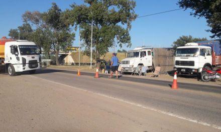General Cabrera   Continúa la protesta de transportistas autoconvocados