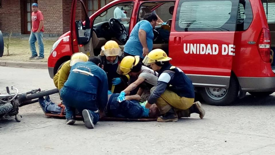 SALIDA DE BOMBEROS: Accidente en la vía pública