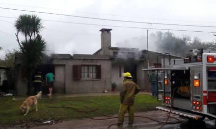 Barrio Argentino principio de incendio en una vivienda