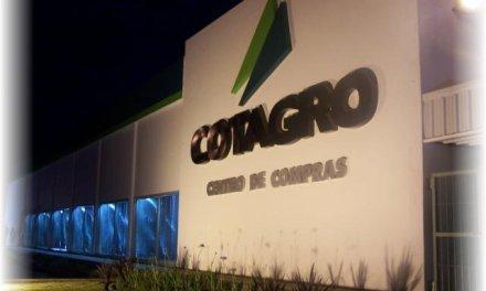 Robaron una camioneta y dinero del centro de compras de Cotagro