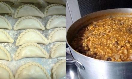 Los cocineros de COMAN preparan el Locro y empanadas de la Peña Aniversario