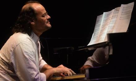 Carlos Aguirre en concierto en Fundación el Horno