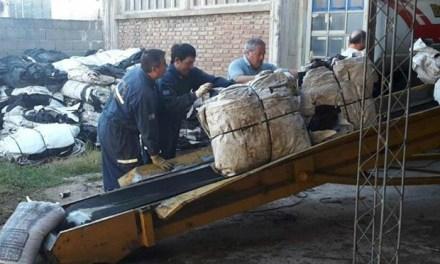 Bomberos-Nueva entrega de silo bolsa aproximadamente 8 mil kilos para la planta acopiadora de ACA