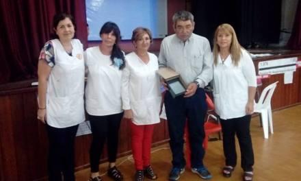 La Escuela Emilio F Olmos realizó un  acto homenaje por 2 de Abril con el ex combatiente José Luis Rivero