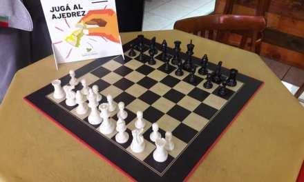 Los Clubes recibieron juegos de ajedrez de parte del Area de Deportes Municipal