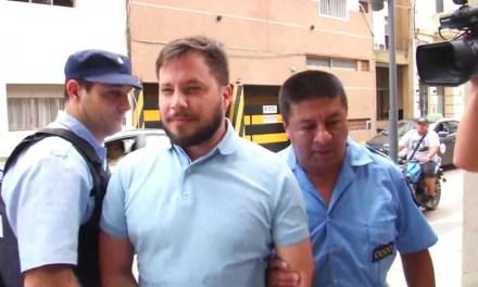 El Abogado Pérez fue escrachado en un restaurante y tuvo que retirarse