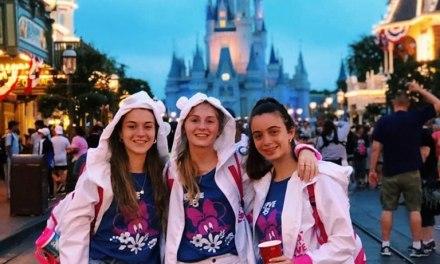Reunión informativa para futuras quinceañeras junto a Coovaeco turismo
