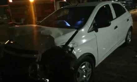 Colisionaron un auto y una camioneta