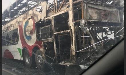 Santa Eufemia: Incendio de colectivo