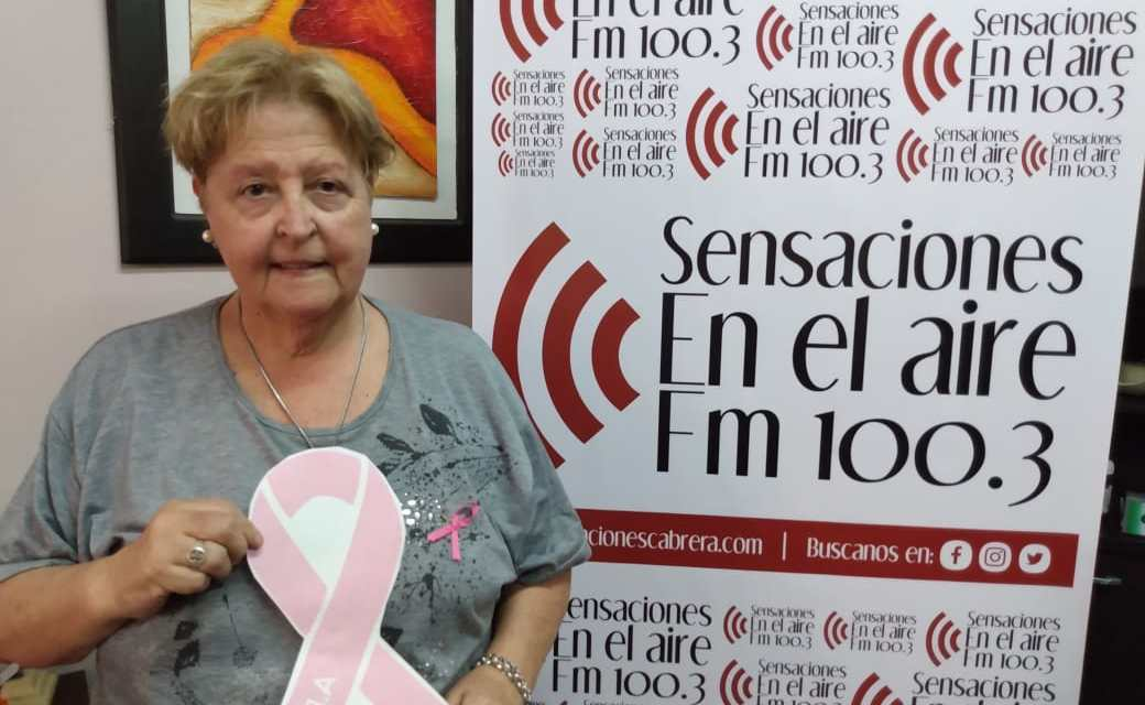 ARLuC entrega lazos rosa en el mes de la Prevención contra el cáncer de mama