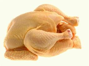 Exitosa venta de pollos del IPEA