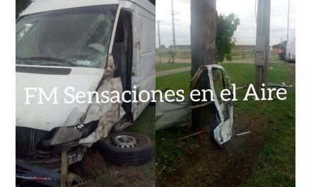 Perdió el control de su vehículo e impactó contra un árbol