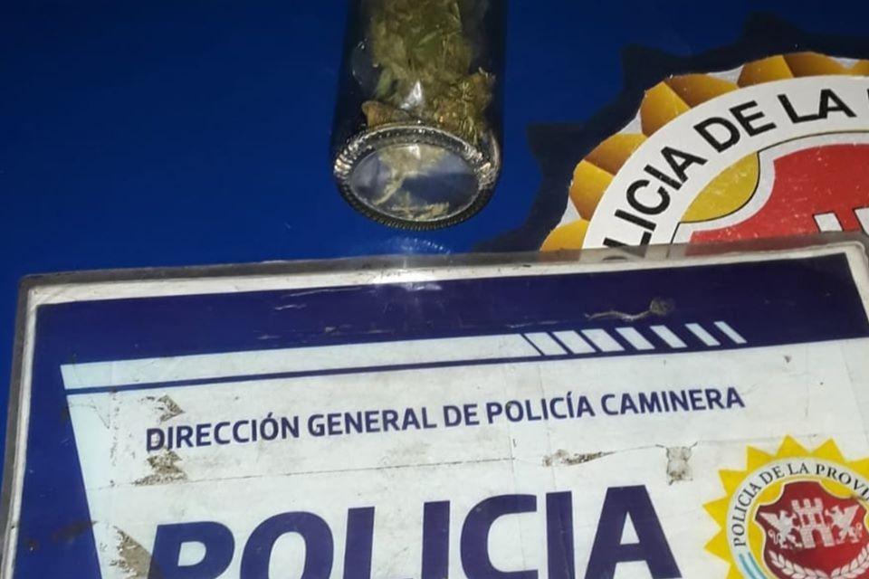 DOS JÓVENES DE DEHEZA Y UNO DE CABRERA, CON «MARIHUANA» EN SU AUTO.